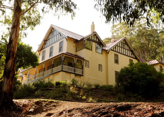 Caves House
